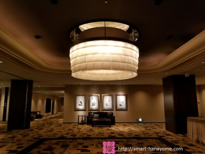 シェラトン都ホテル東京の和紙でできた照明